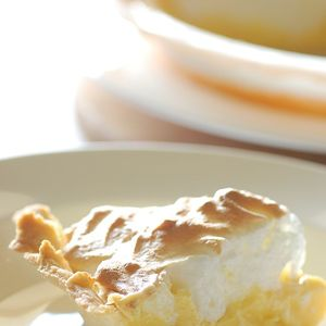 Medium 679px mum s lemon meringue pie slice