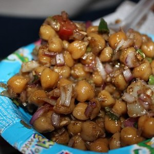 Medium chickpea 616386  340
