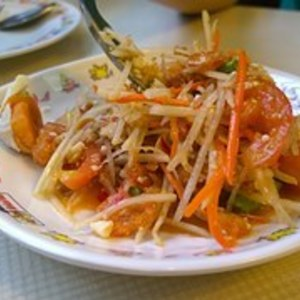 Medium green papaya salad 1069958  180