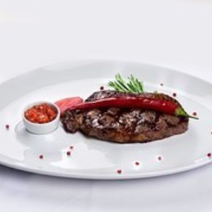 Medium steak 1542965  180