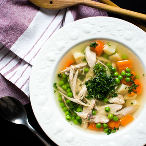 Medium foodiesfeed.com homemade chicken broth vegetables1