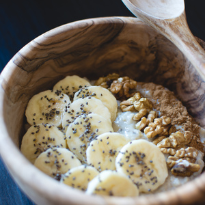 Medium foodiesfeed.com oatmeal chia banana walnuts