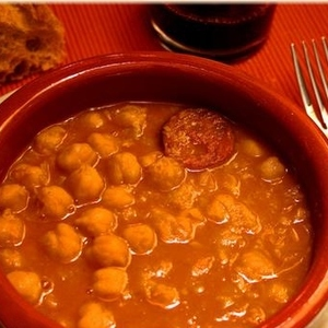 Medium 23 cazuela de garbanzos y chorizo