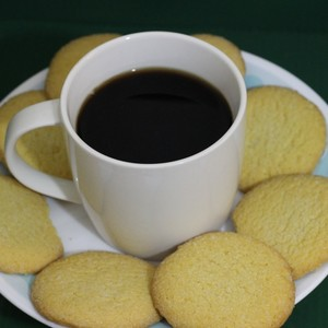 Medium greenscreen coffee and cookies